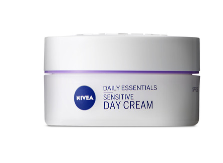 Nivea Essentials Day Cream Sensitive 50 ml