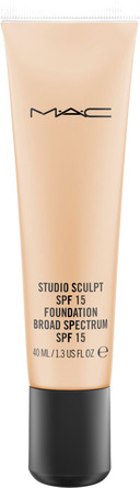 MAC Studio Sculpt SPF 15 Foundation NC 25