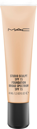 MAC Studio Sculpt SPF15 Foundation NC 30