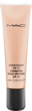 MAC Studio Sculpt SPF 15 Foundation NW 25