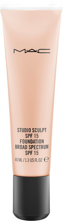 MAC Studio Sculpt SPF 15 Foundation NW 20