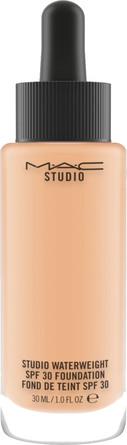 MAC Studio Waterweight SPF30 Foundation NC30