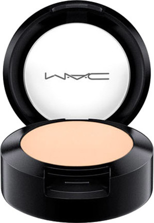 MAC Studio Finish SPF 35 Concealer NC 10