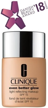 Clinique Even Better Glow Light Reflecting Makeup SPF 15 CN 90 Sand