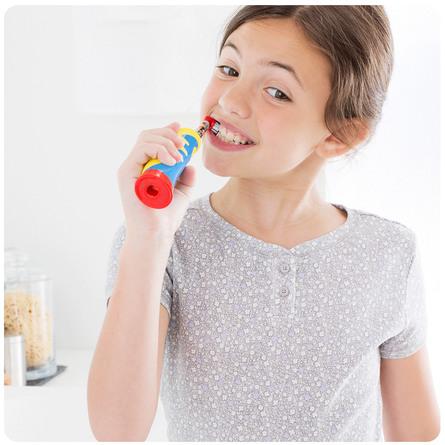 Oral-B (Braun) Stages Kids Elektrisk Tandbørste Med Figurer Fra Frost