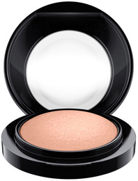 MAC Mineralize Blush Cosmic Force
