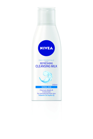 Nivea Essentials Cleansing Milk 200 ml