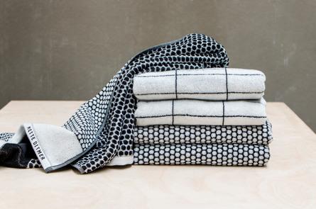 Mette Ditmer Grid Bade Håndklæde 70 x 140 cm