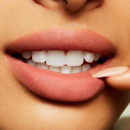MAC Powder Kiss Liquid Lipcolour Date-Maker