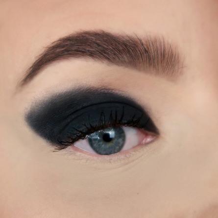 Sandstone Eyeshadow 595 Pitch Black