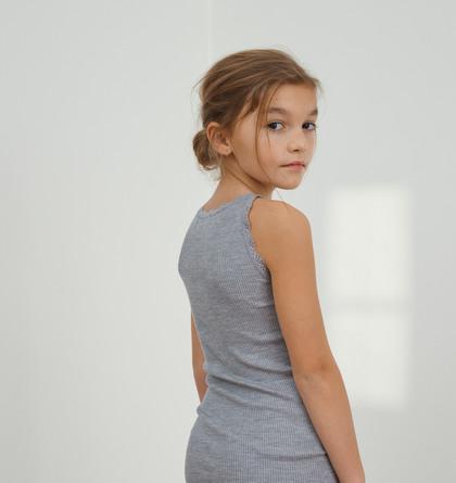 Rosemunde Silketop til Børn Mørkegrå Str. 6 år