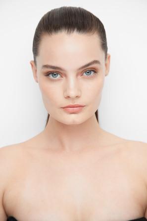 Smashbox Studio Skin 24H Wear Hydrating Foundation 1.1 Fair-Light With Neutral Undertone
