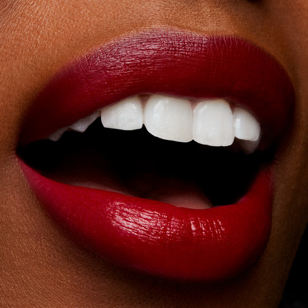 MAC Love Me Lipstick E For Effortless