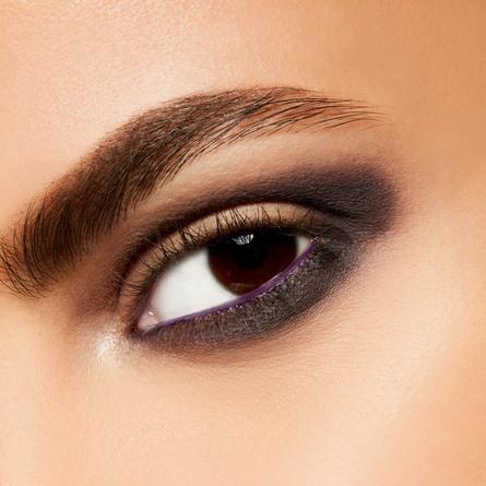 MAC Eye Shadow Scene