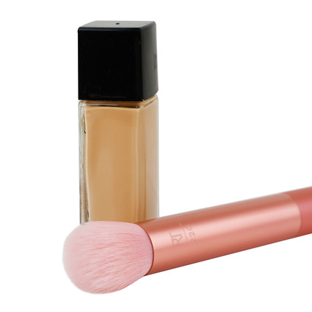 Real Techniques Foundation Brush Light Layer
