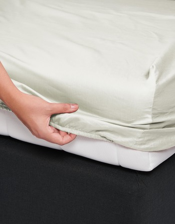 Essenza Satin Fitted Sheet Oyster 180 x 200