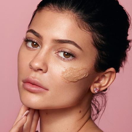Kylie by Kylie Jenner Walnut Face Scrub 85 g